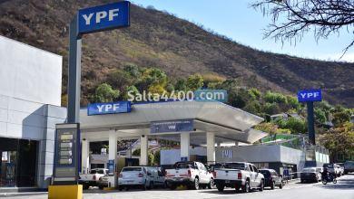 Photo of Podría haber escasez de combustibles en Salta ante un paro de Camioneros