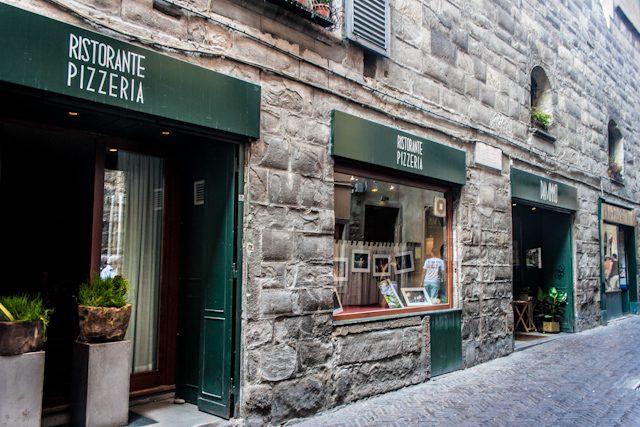 Cosas que no debes hacer en Italia en un restaurante