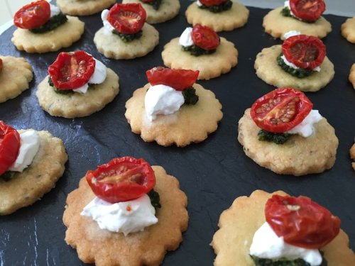 How to organise a canape party London