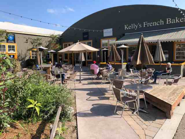outside courtyard at Kellys Bakery in Santa Cruz