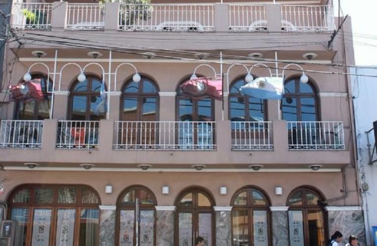 El encierro en un hotel de Salta, desespera a las personas repatriadas