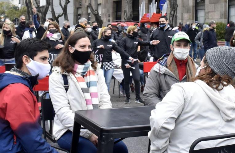PROHIBIDAS LAS REUNIONES SOCIALES EN ARGENTINA