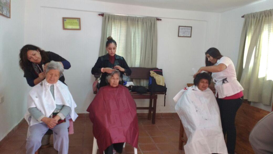 Encuentro Intergeneracional  en Club de abuelos de barrio Universitario