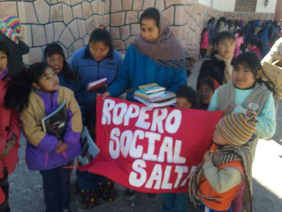 El voluntariado del Ropero Social Salta llegó a San Antonio de los Cobres