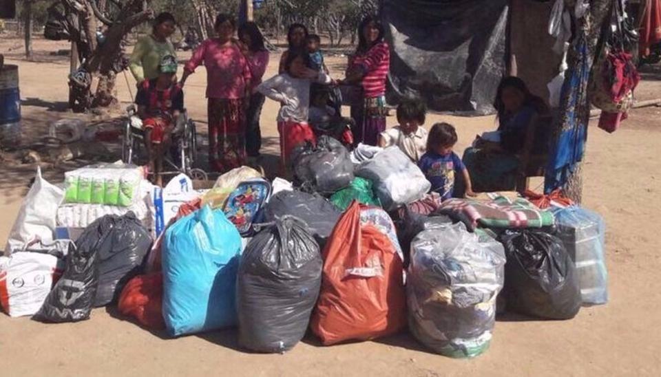 Conmovidos por una historia triste, llevaron ayuda a una familia wichi