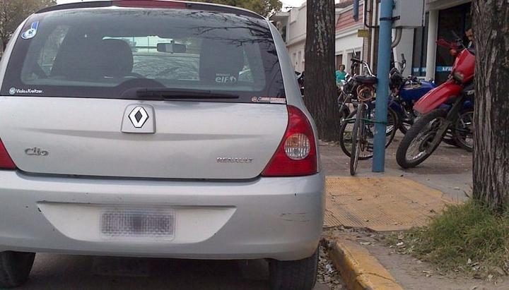 Piden respetar las señales de tránsito y contribuir con la accesibilidad de los peatones
