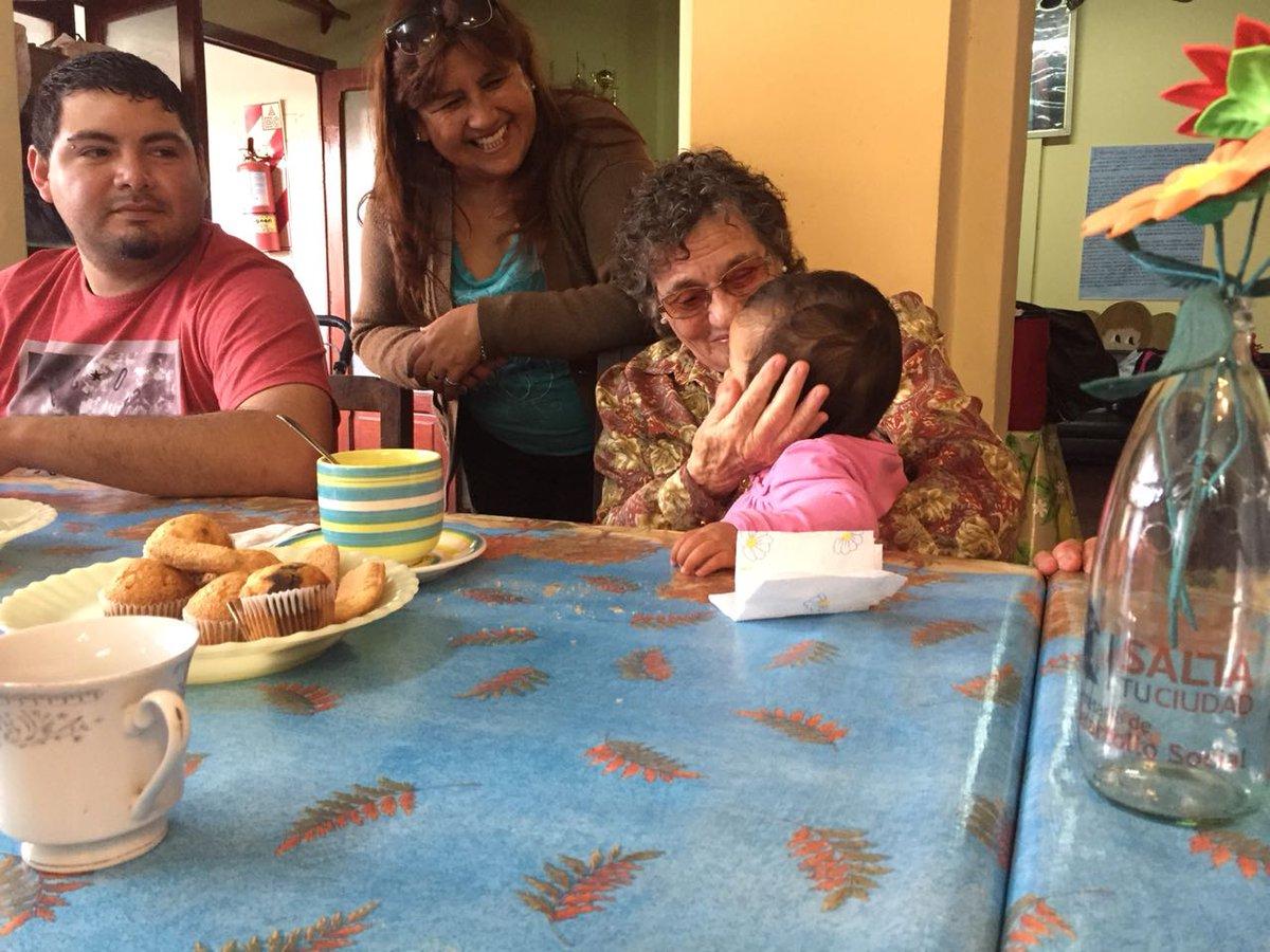 Voluntarios de todas las edades compartieron una jornada social en el hogar Cristo Rey