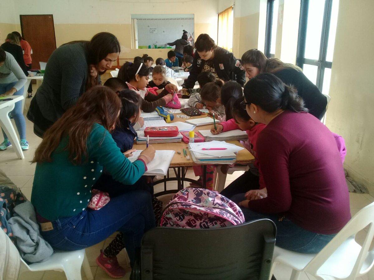 En Limache y Solidaridad brindan clases gratuitas de apoyo pedagógico secundario