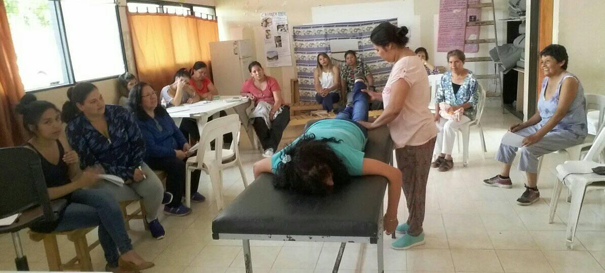 Curso de cotillón y masoterapia en el CIC de villa Asunción