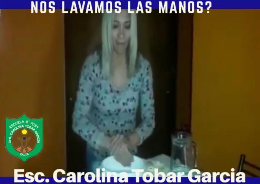 Docentes de la Escuela Especial N°7039 Dra. Carolina Tobar Garcia motiva a sus alumnos a lavarse las manos