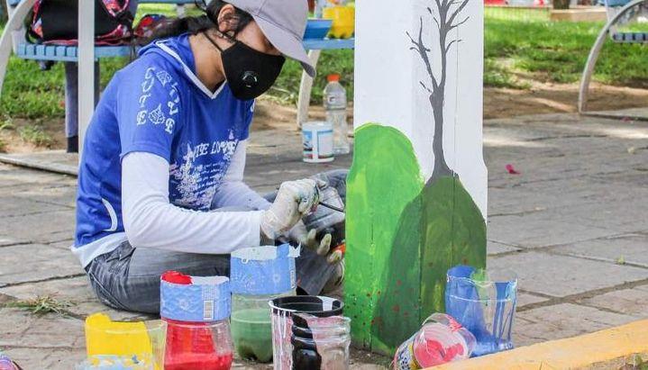 Orán: Artistas participan de un concurso de pintura sobre postes de luz: la idea es embellecer la ciudad