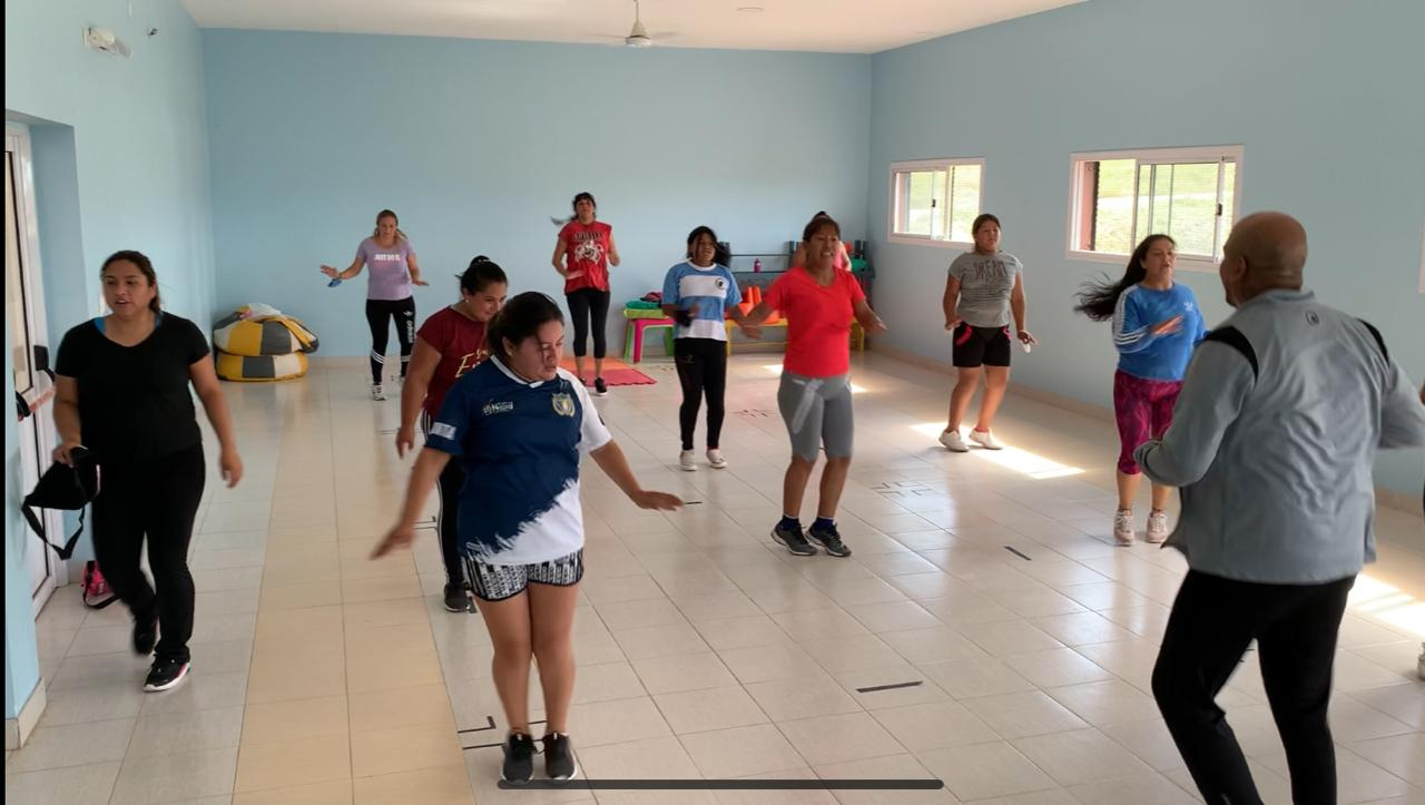 La Escuela de Boxeo Femenino crece en zona Oeste