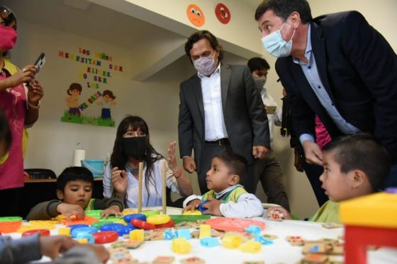 Los niños del CPI Pedacito de Cielo recibieron al gobernador Sáenz y al ministro Arroyo