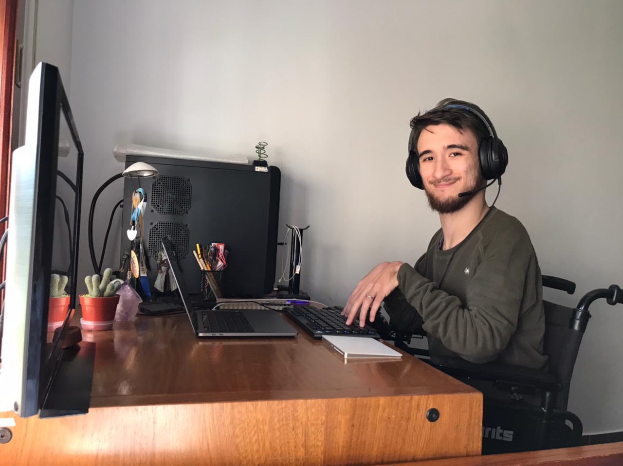 """Tiene una discapacidad, se recibió de ingeniero y Mercado Libre lo contrató: """"La mejor empresa"""""""