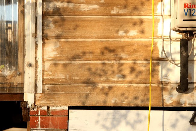 Stripped-back weatherboards