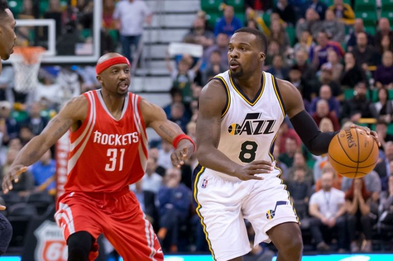 Shelvin Mack has been a very pleasant surprise early on for the Jazz. (Russ Isabella-USA TODAY Sports)