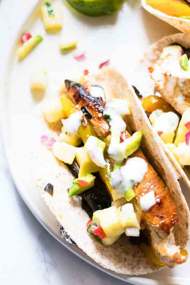 5 Ingredient Sriracha Lime Tacos   A simple and healthy take on spicy juicy tacos perfect for mid week.
