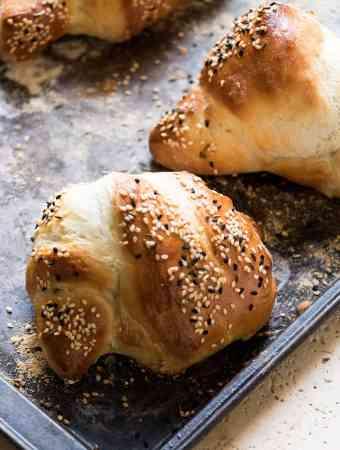 Rosemary Seeded Bread Knots