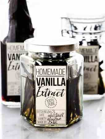 How To Make Homemade Vanilla Extract (With Labels)