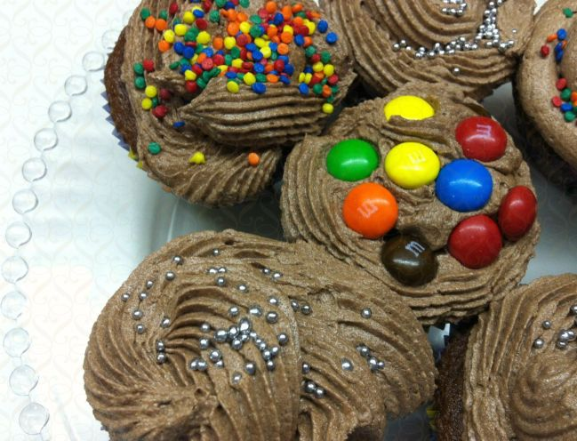 Cupcakes de Chocolate com buttercream de chocolate…