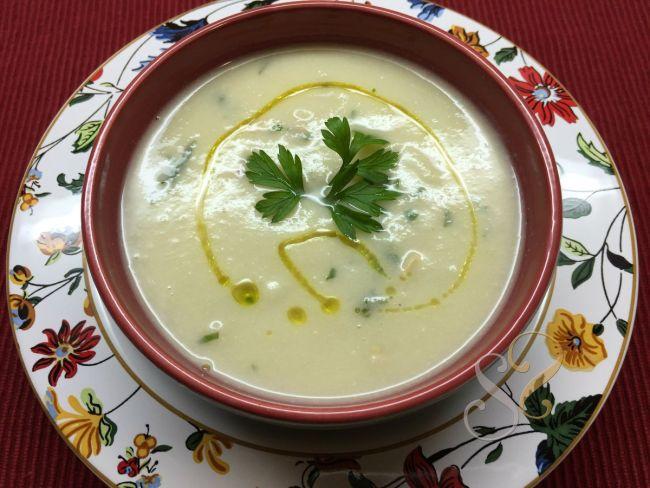 Sopa creme de couve flor com castanhas…