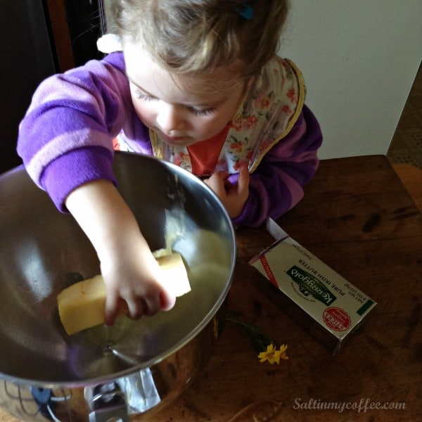 baking coconut flour cookies with kids