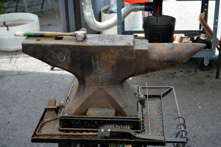 choosing an anvil for your forge
