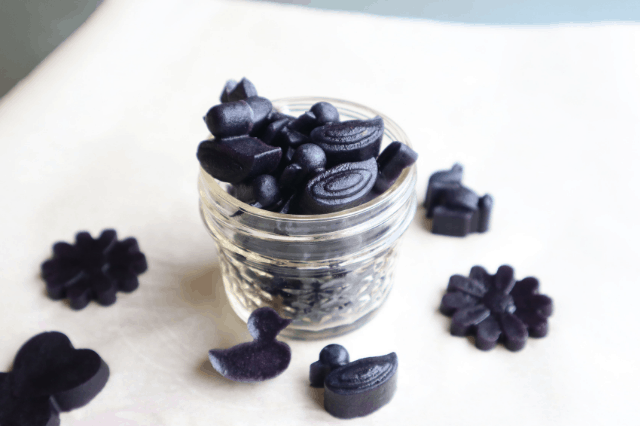 homemade blackberry gummies with probiotics
