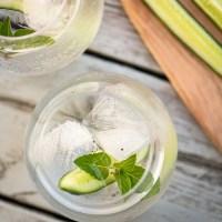 Gin & tonic med gurka & svartpeppar