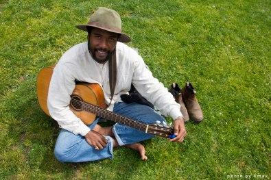 Musician at the Salt Spring Saturday Market