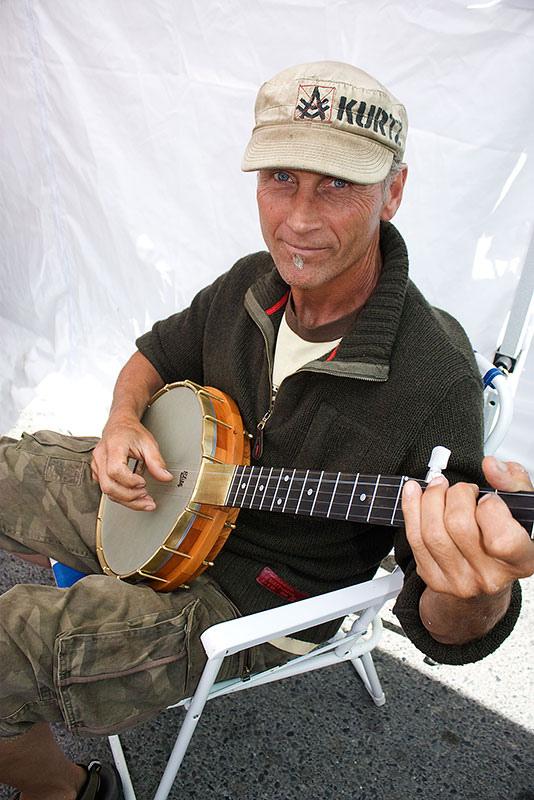 banjo_player_9276131728_l
