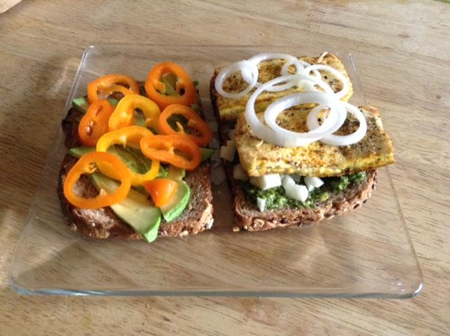 Pesto sandwich with veggies