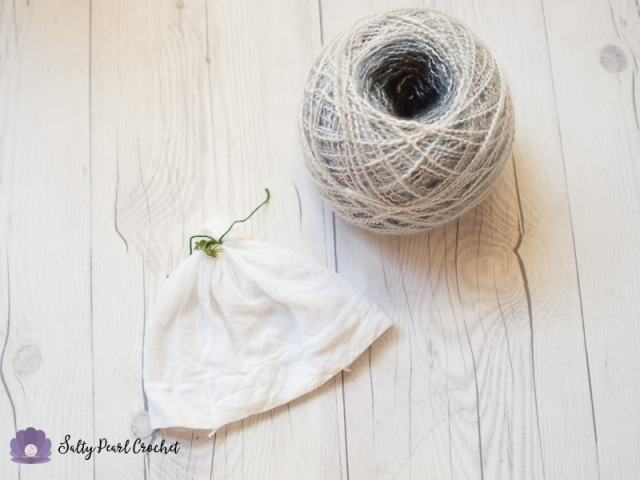Cut pantyhose to the right length to store yarn neatly