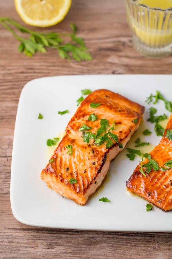 Crispy Salmon with Garlic Lemon Butter Sauce