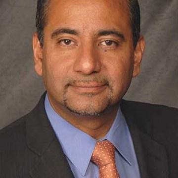 Orgullo Latino, Dr. Luis E. Raez Orgullo Latino 2015