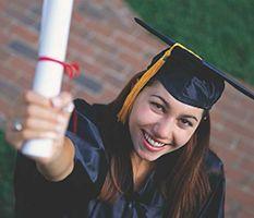 El Día Hispano STEM insta a Estudiantes Inmigrantes para liderar en Ciencia y Tecnología