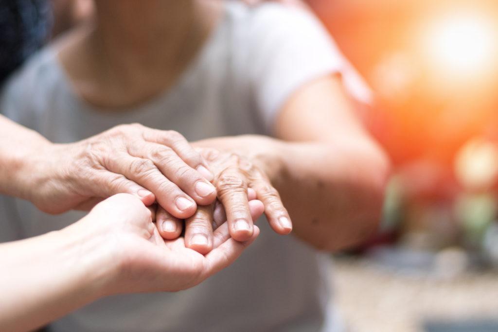 Manos rígidas por el Parkinson