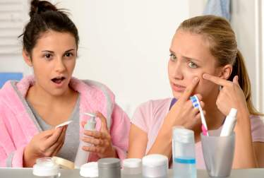 Máscaras faciales para la piel propensa al acné
