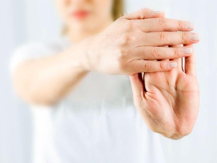 Cómo aliviar el dolor de la artritis naturalmente en el hogar