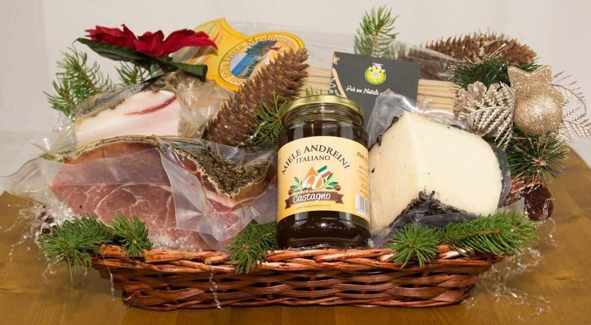 Christmas Baskets.Christmas Baskets The Tuscany