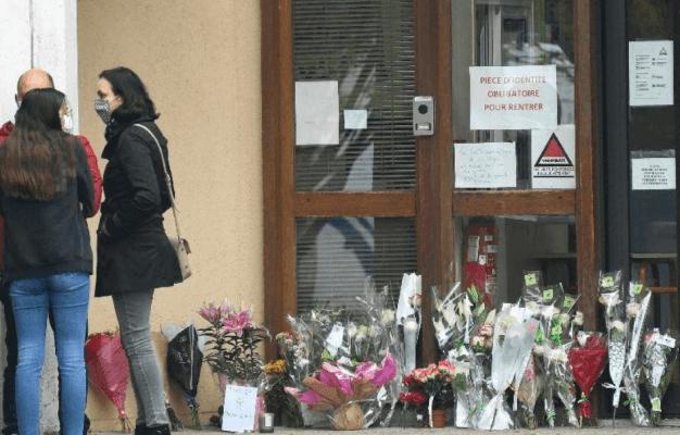 Франция планирует выслать из страны больше 230 предполагаемых экстремистов.