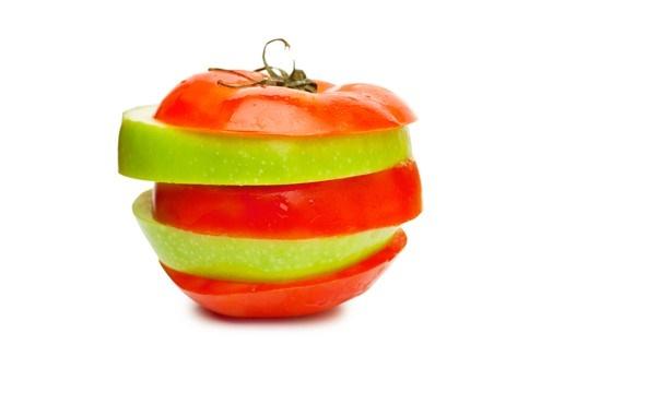 Pomodori e mele, segreto della salute