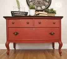 Pros And Cons Of Painting Salvaged Furniture
