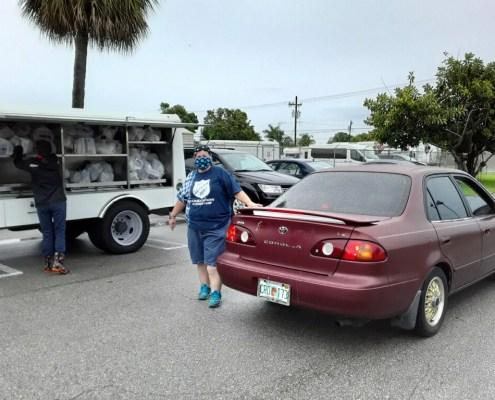 covid relief food distribution volunteer
