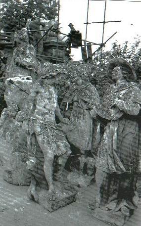 mutarea-statuii-in-piata-libertatii1