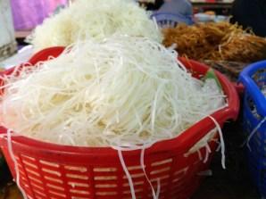 Fideos de arroz ya cocidos ingrediente principal de la PHO