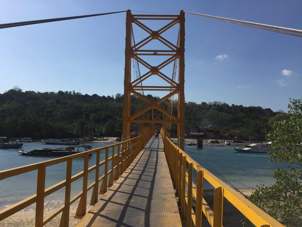 Brücke nach Nusa Ceningan