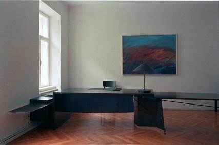 Tisch, Anwaltskanzlei