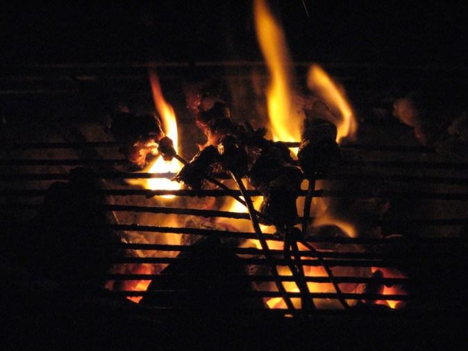 Au feu, les grillades !
