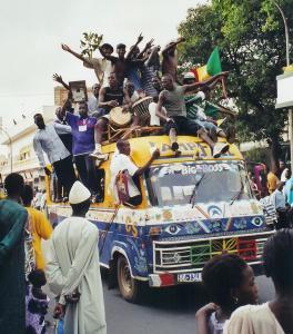 Liesse dans Dakar pour la qualification de la victoire des Lions de la Teranga